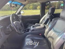 2004 GMC Sierra 2500 Crew Cab 153 WB 4WD SLT